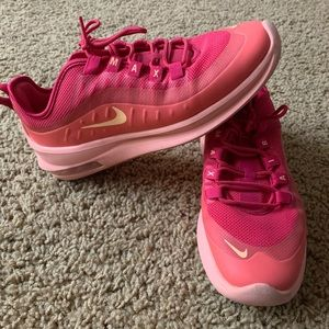 Nike Air Max women's size 8.5